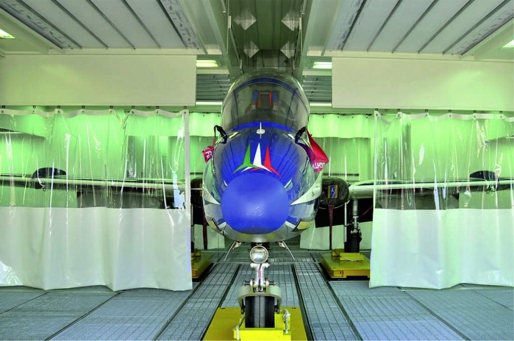 Cabina de pintura industrial aeronáutica